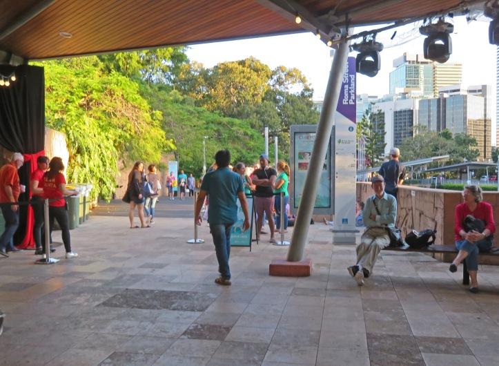 Brisbane art gallery roma street gardens 255