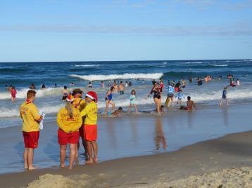 fingal beach walk with Jade 082_5184x3888