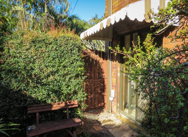 side garden (8 of 17)_4899x3559