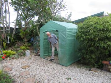 greenhouse garden front deck 033_5184x3888