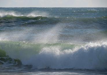 Burleigh beach sat morn after storm pc sx40 025_3792x2658
